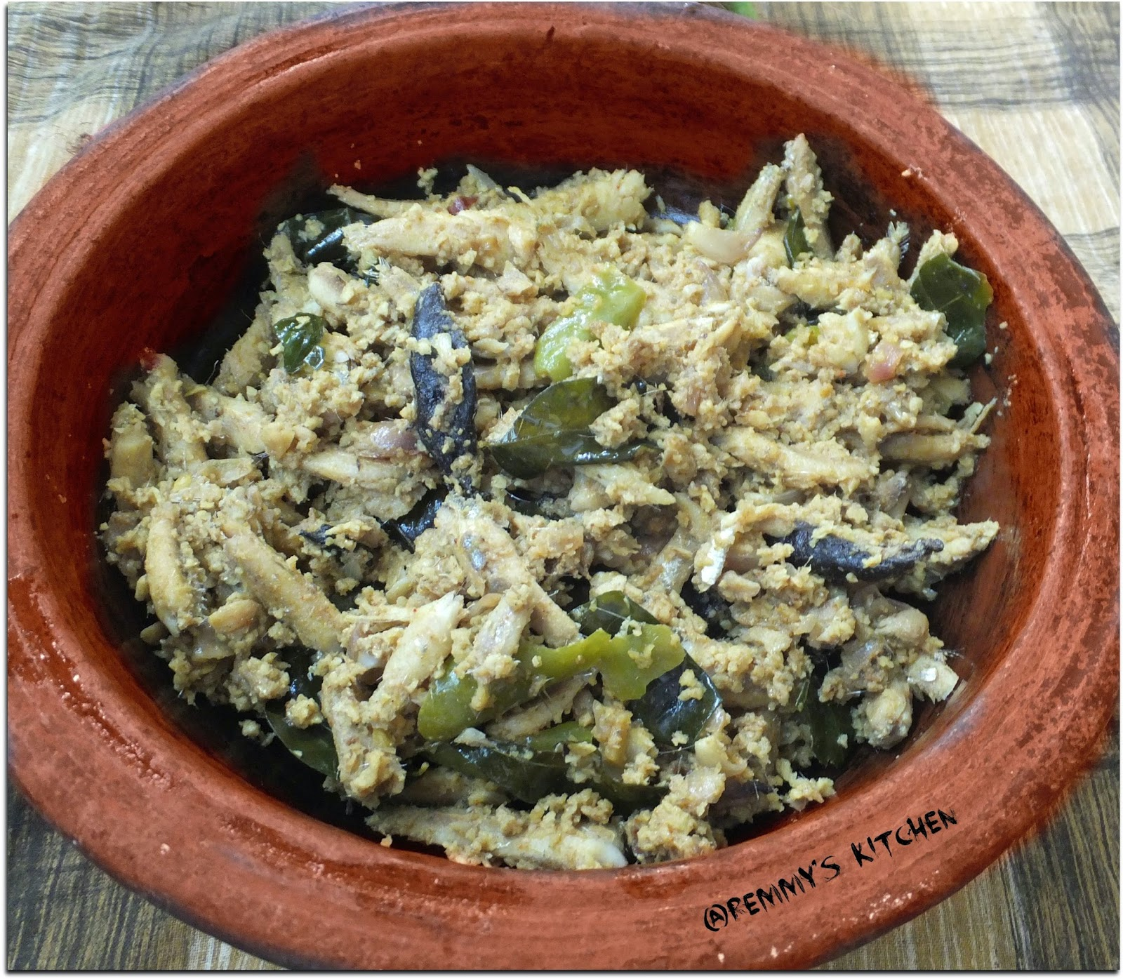 Netholi peera pattichathu/Anchovies in coconut mixture