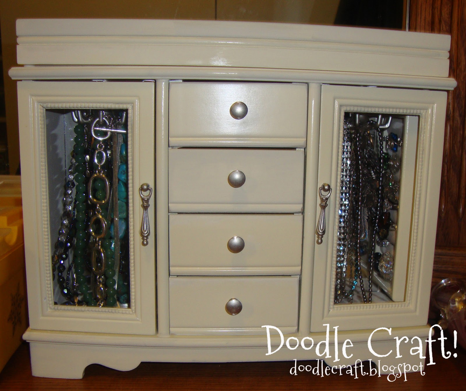 Doodlecraft: Tabletop Jewelry Armoire!