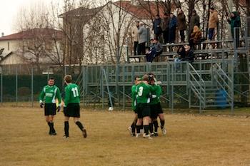 Si festeggia il goal che vale la partita.