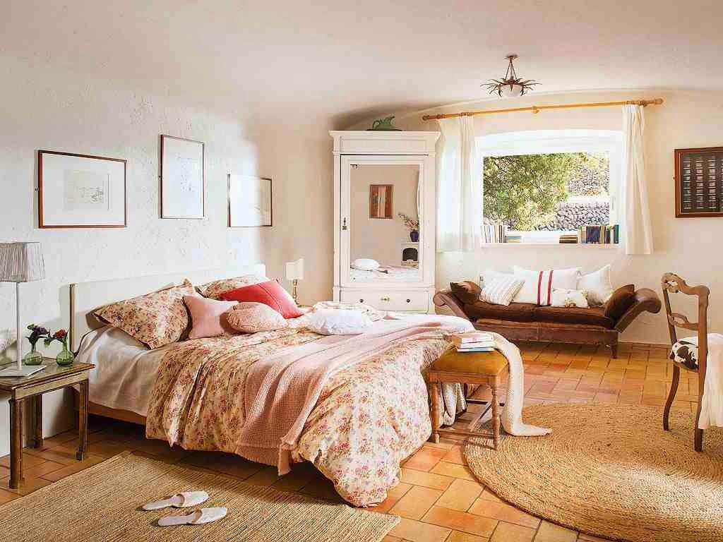 Eklektyczna sypialnia, jasna sypialnia, stylowe meble w sypialni, rustykalna sypialnia