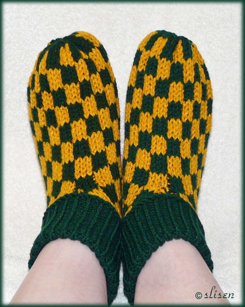 Slisens Happy Place: Fairisle Checkerboard Slippers