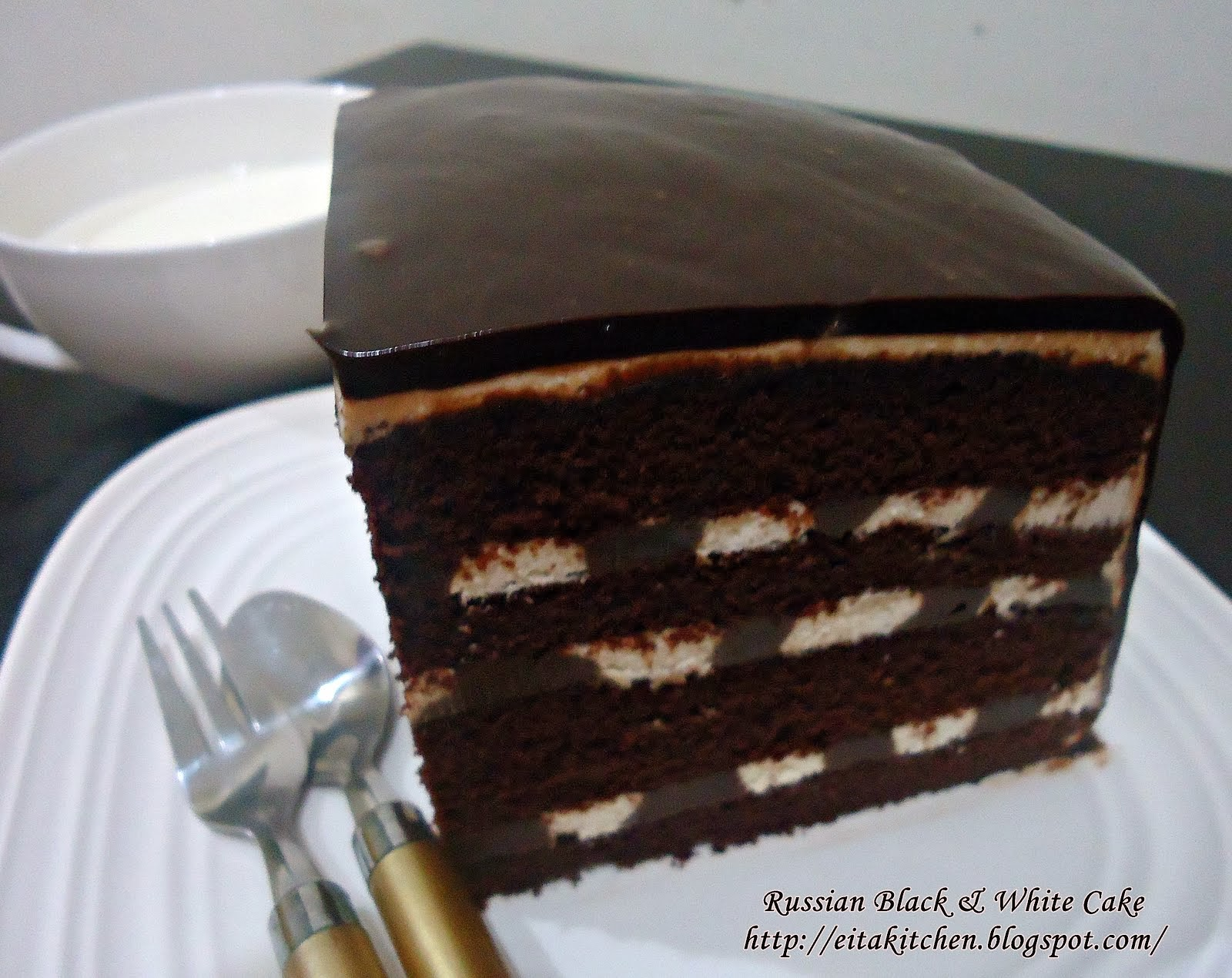 RUSSIAN BLACK & WHITE CAKE