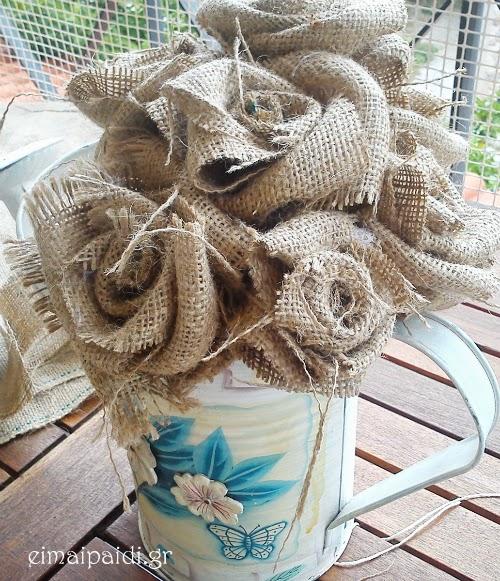 Πώς θα φτιάξουμε ένα μπουκέτο τριαντάφυλλα από λινάτσα