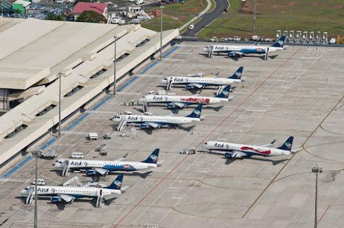 Por que quase todos os aviões são brancos