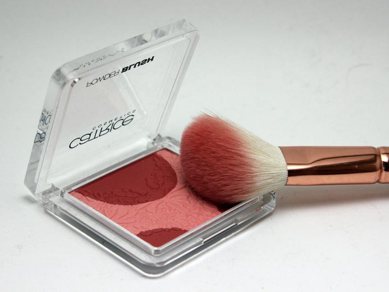 """Powder Blush mit dem Namen """"Floral OrnARTment"""" aus der Viennart LE von Catrice"""