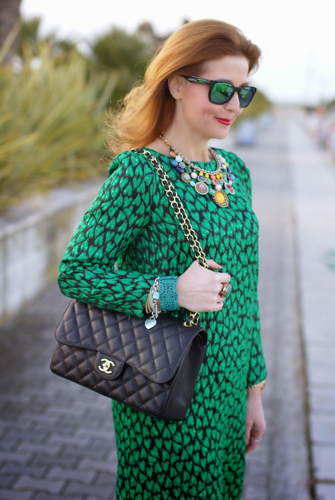 Mauro Grifoni green shift dress, Chanel 2.55 classic flap bag, Oakley green sunglasses, Fashion and Cookies fashion blog, fashion blogger italiana