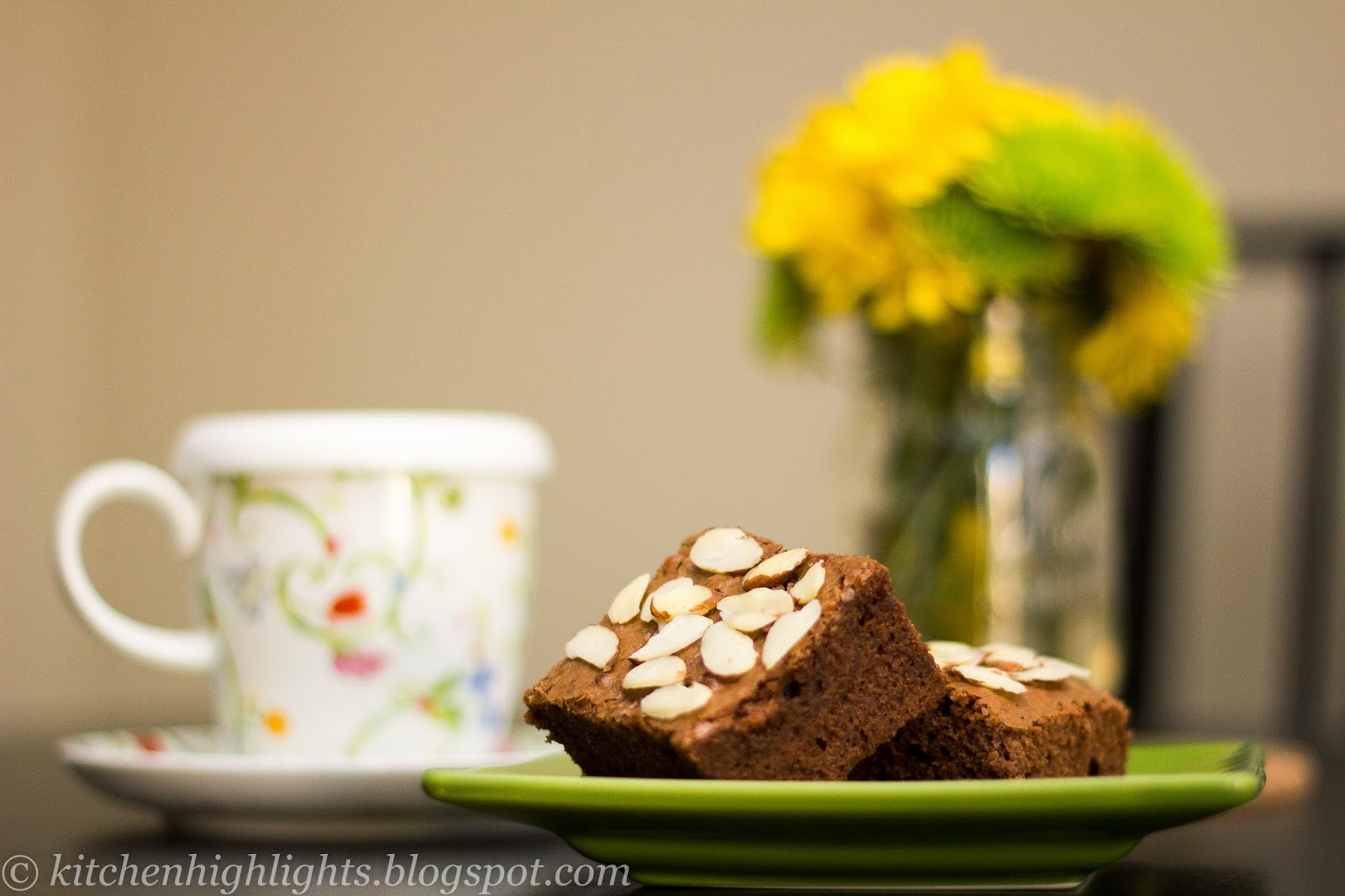 Chocolate brownies are a typical American dessert that is considered a cross between a cookie and a cake