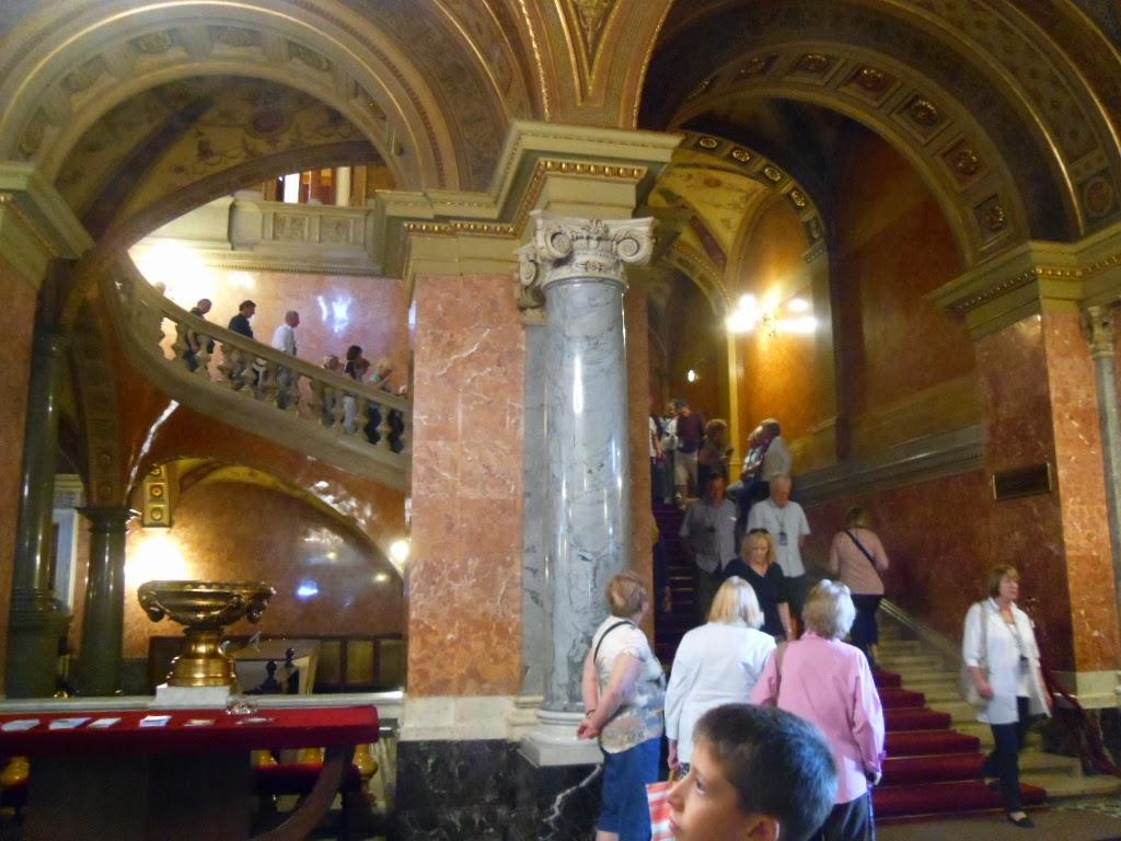 Hall de entrada da Ópera Nacional Hungria