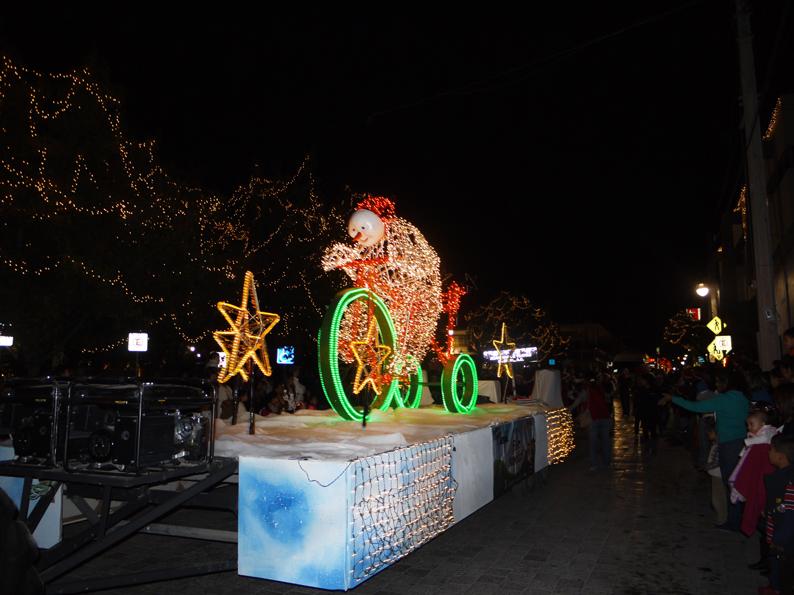 Dise O Y Decoraci N Carros Desfile De Navidad 2012