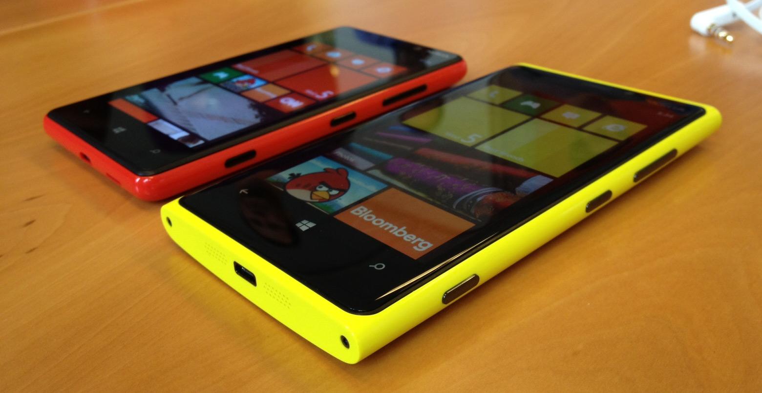 http://1.bp.blogspot.com/-R7weSBcSJJY/UUQVjYcDAQI/AAAAAAAAJAI/iEJ4EHySUHg/s1600/lumia-920-and-lumia-820.jpg