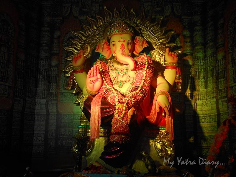Blessing Ganesha, Ganesh pandal hopping, Mumbai