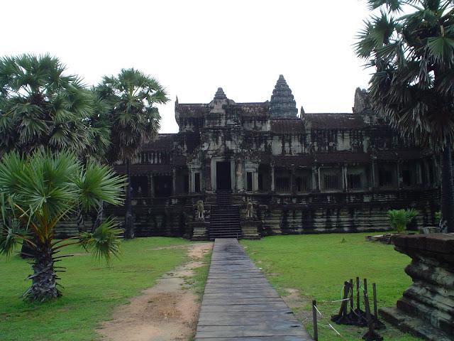 Templo Bakan en el Complejo Angkor Wat - Camboya