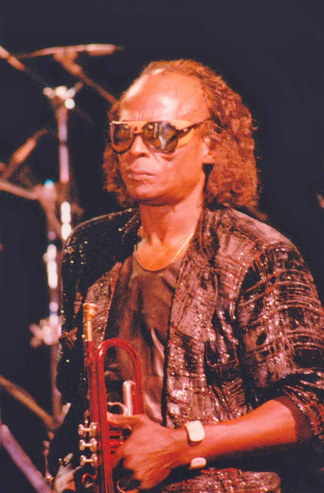 In Memorian Miles Davis Nascimento: 26 de maio de 1926 Falecimento: 28 de setembro de 1991