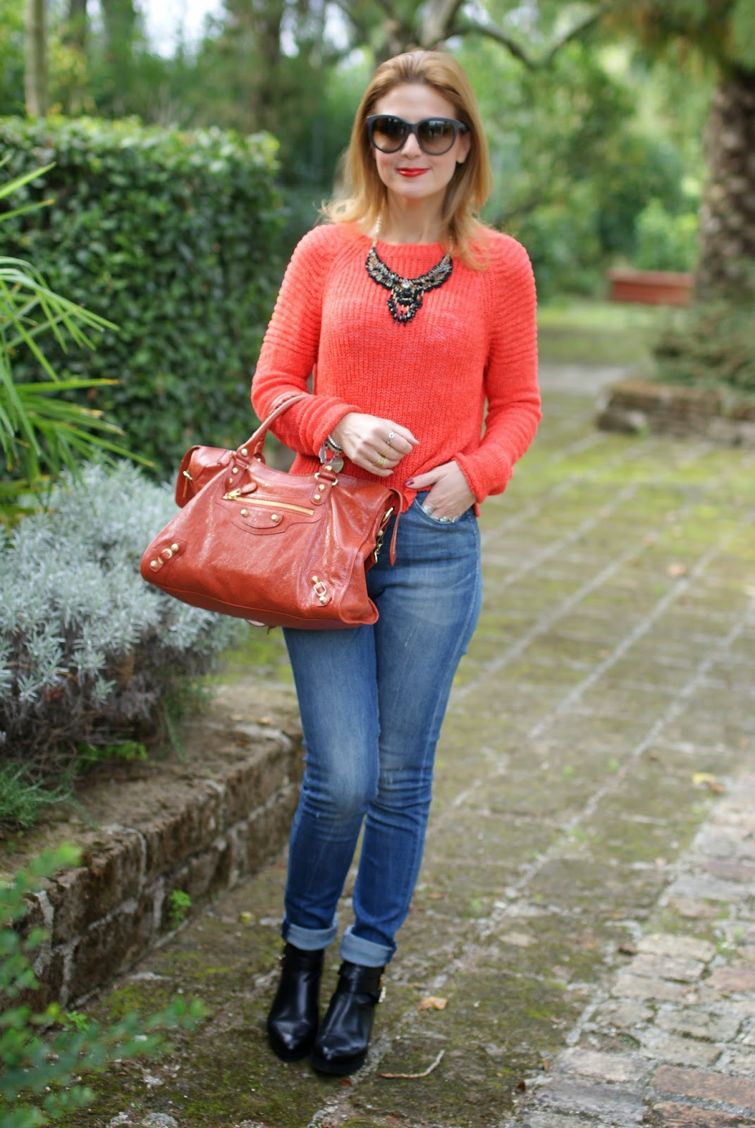 Balenciaga City rouge ambre bag, happiness high waisted jeans, cut out boots, Fashion and Cookies, fashion blogger