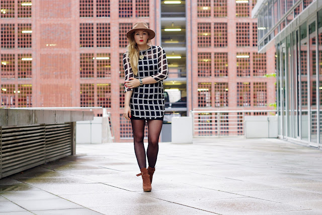 herbst trend, karo, checkered, check, plaid, tartan, fall 2013, ax paris, zara hat, brown blazer, H&M, cubus lion necklace, blogger, german blogger, deutsche blogger, modeblogger, Hamburg, trend 2013,