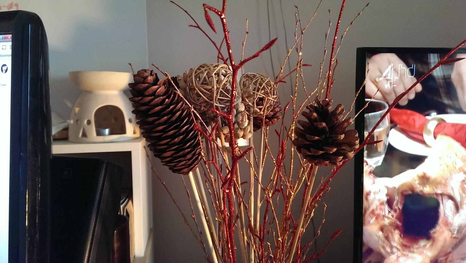 Festive arrangement from Aldi