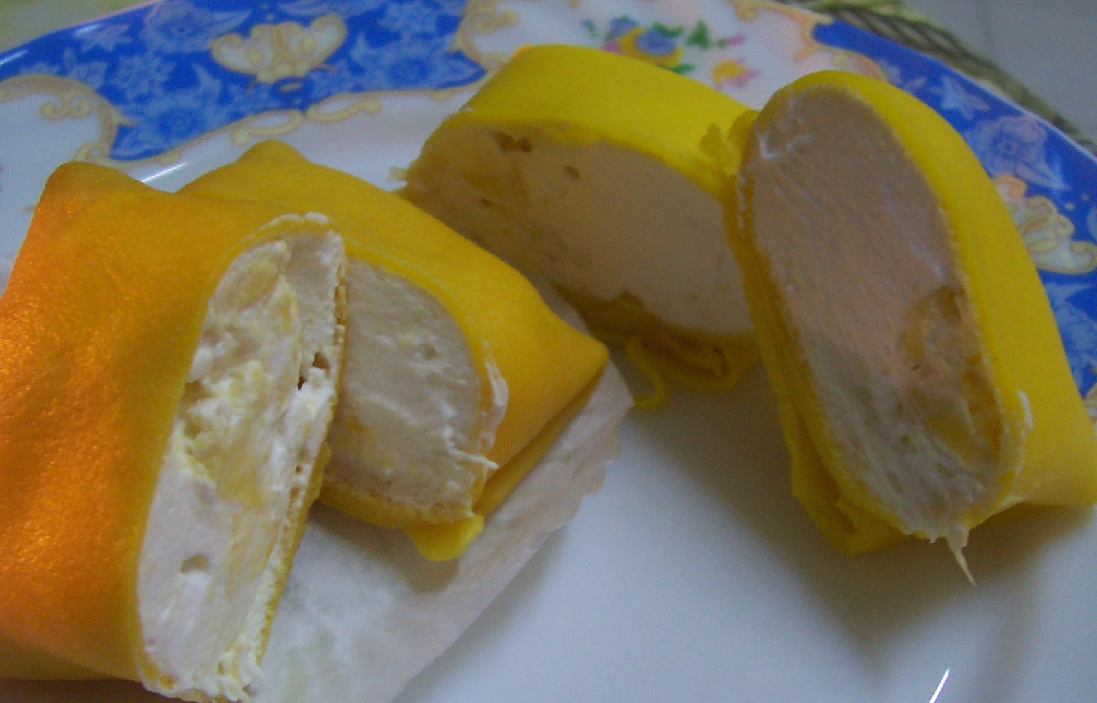 DURIAN CREPE