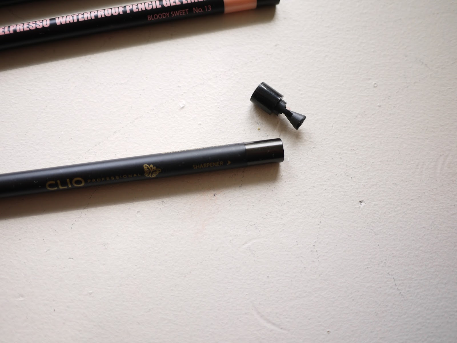 clio Gelpresso waterproof pencil gel liner golden black bloody sweet bloody angel swatch review eyeliners