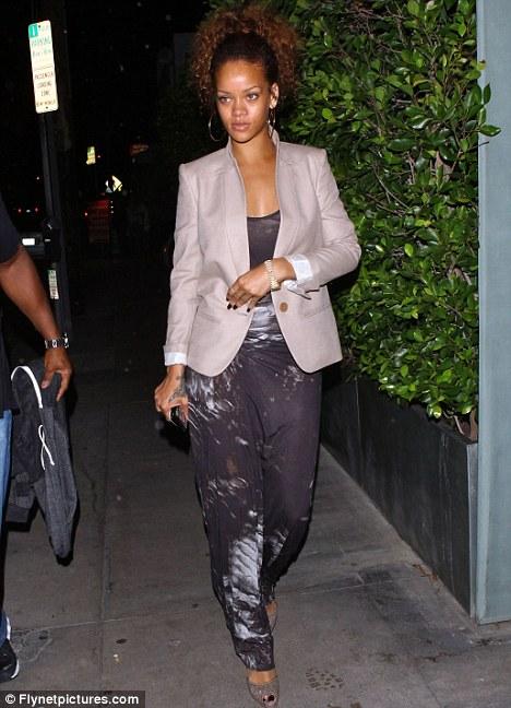 Rihanna  Island%2Blife%2Bagrees%2Bwith%2Byou%2BRihanna%2521%2BFresh-faced%2Bsinger%2Bglows%2Bin%2BLA%2Bafter%2Breturning%2Bfrom%2B%2BBarbados%2B%2B1
