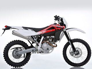 2012 Husqvarna TE125 Motorcycle Photos #2