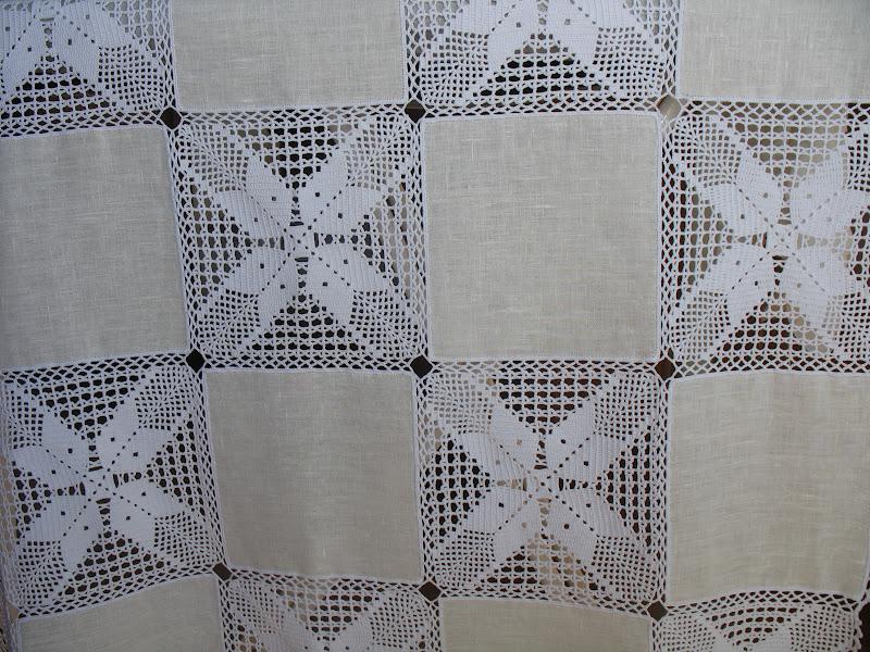 Agulhas soltas artesanato em geral toalha em linho e croch - Manteles de lino ...