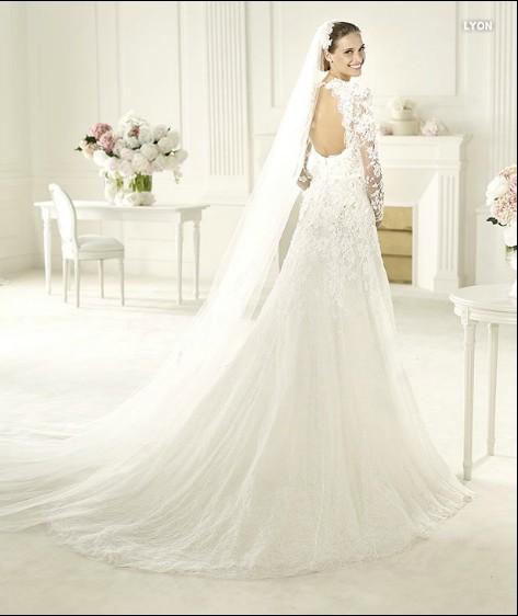 Brautkleider Mode Online: Januar 2013