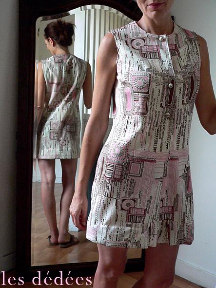 les dedees vintage recup creations la robe 70 pop pastel a g om trie variable by ben. Black Bedroom Furniture Sets. Home Design Ideas