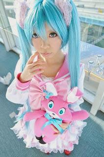 Vocaloid Hatsune Miku cosplay by Sakurano Piko