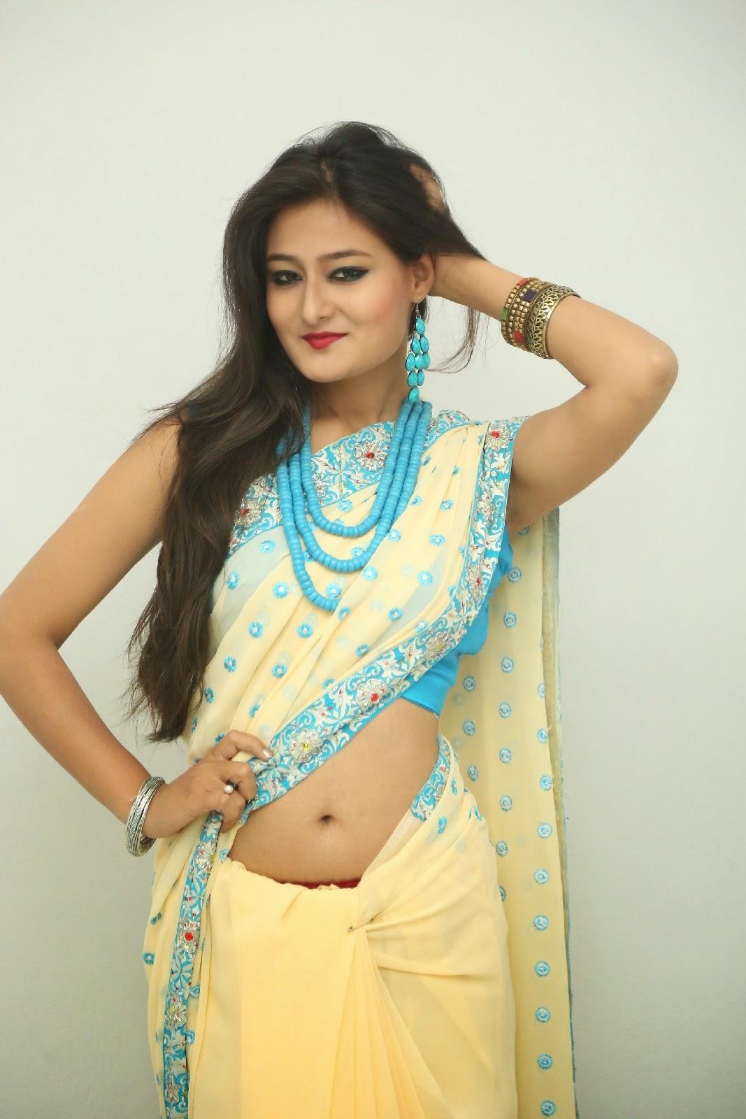 Nilofer sizzling saree photos-HQ-Photo-10