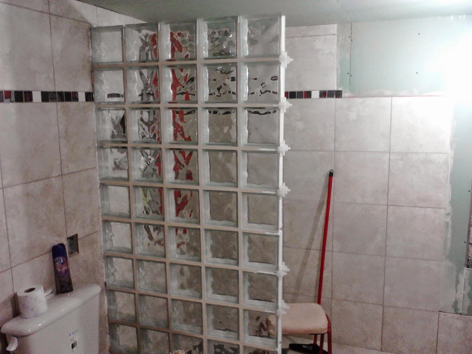 Mamparas de bloques de vidrio materiales de construcci n for Pared de ladrillos falsa
