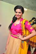 Sri Mukhi glamorous photo shoot-thumbnail-13