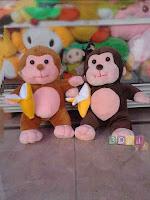Boneka Monkey Banana