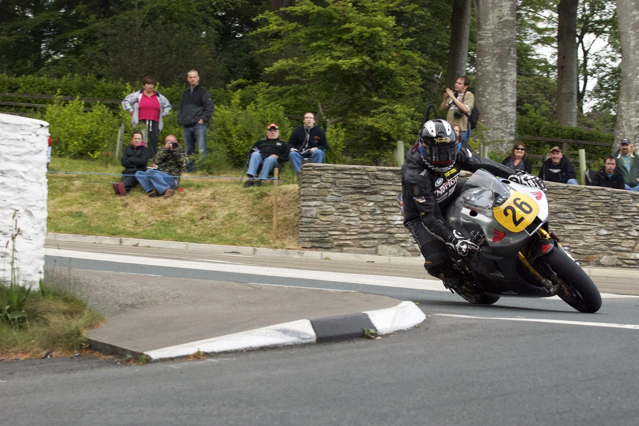 Norton Racing - Page 3 Norton-SG1-Isle-of-Man-TT+2012+09