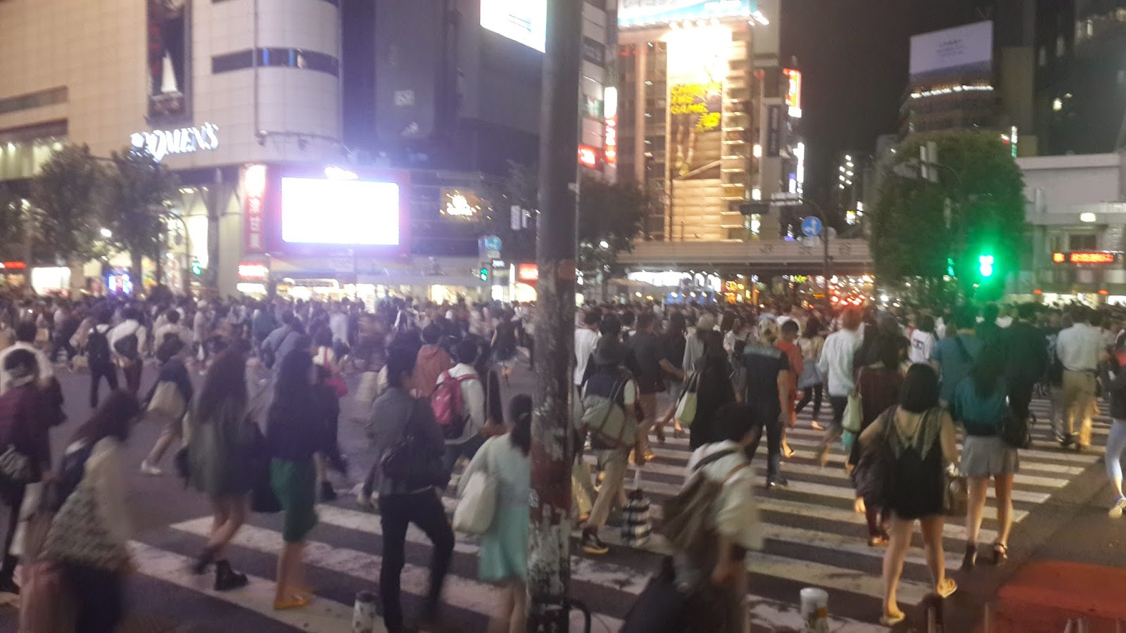 Shibuya, world's largest pedestrian crossing