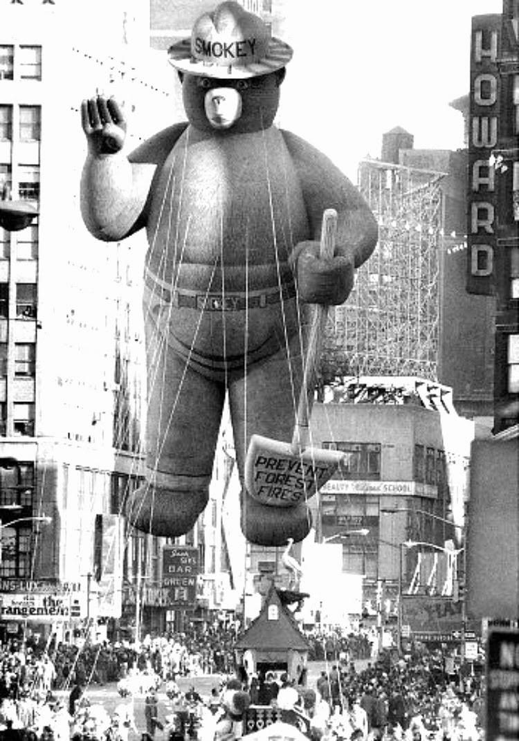A Vintage Nerd, Vintage Blog, Vintage New York, Vintage Thanksgiving Parade