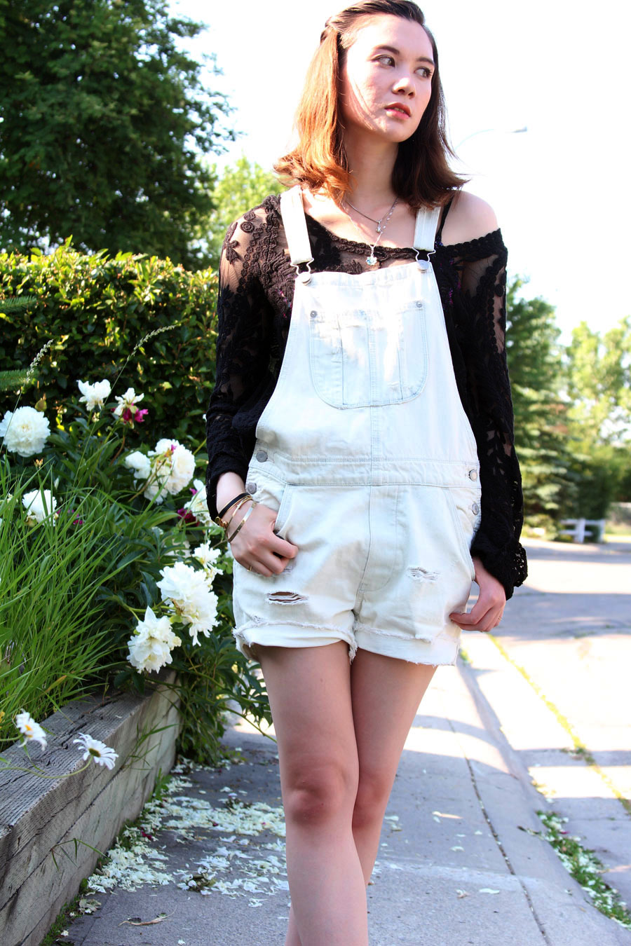American Eagle, overalls, summer fashion, outfit of the day, ootd, swarovski, Choies, lace top, Franco Sarto