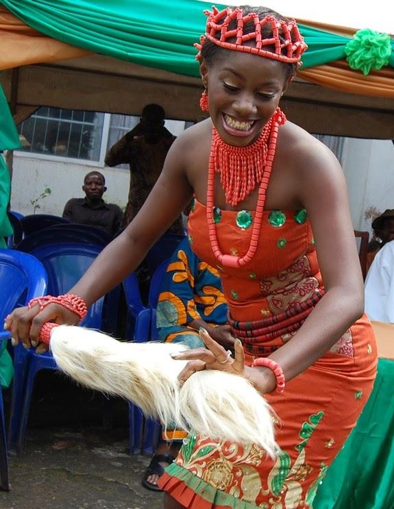 традиционный танец, народный костюм
