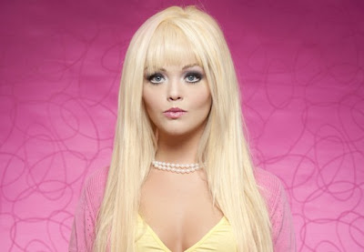 5 Wanita Cantik Berwajah Boneka