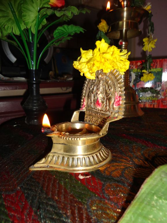 vijayadasami festival essay Vijayadaśamī, pronounced [ʋɪʝəjəðəʃmɪ]]) also known as dasara, dusshera or south korean customs tax dussehra is a major hindu festival celebrated at dussehra essay in telugu the end of we.