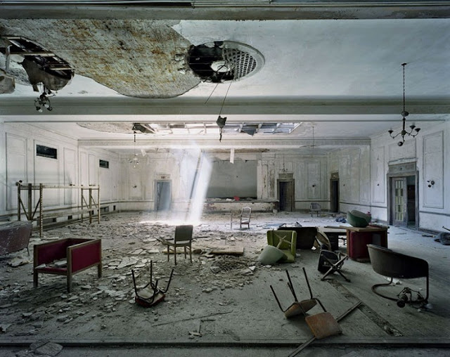 detroit ruins photo essay pictures
