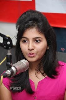 Actress-Anjali-Stills-at-92.7-Big-FM-for-Masala-Movie-Promotions