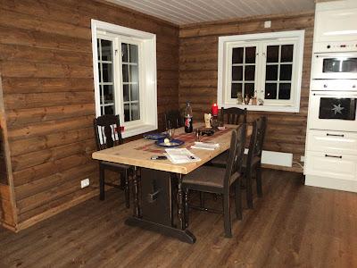 Spisebord til hytte