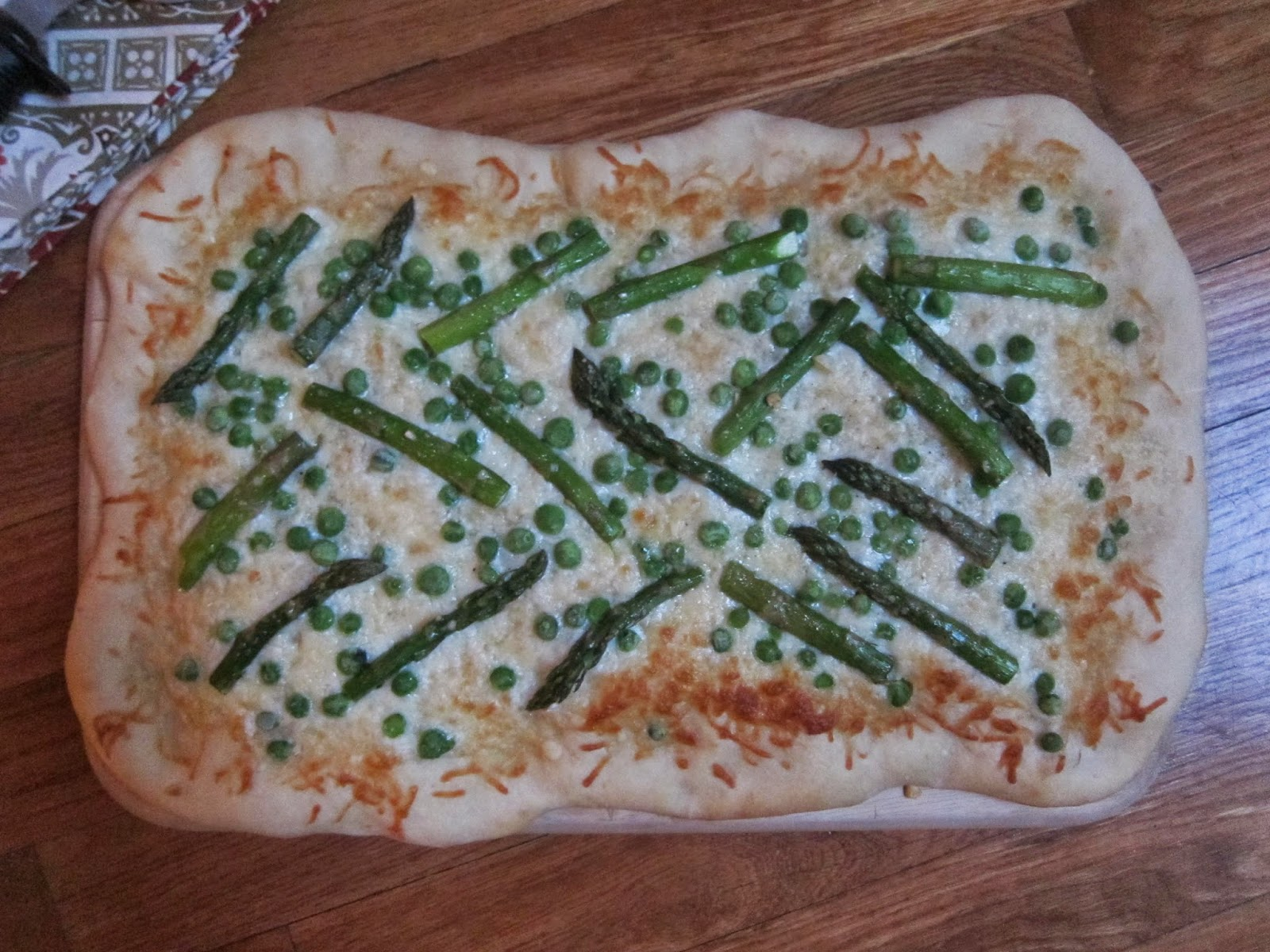 White Pizza with Asparagus and Peas | The Economical Eater