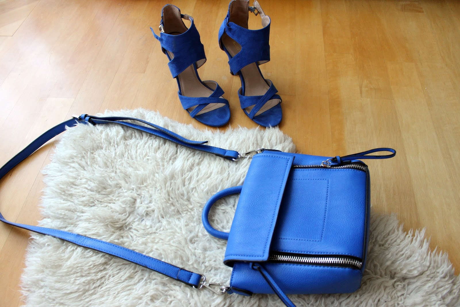 Barcelona shopping haul heels sandals suiteblanco trapeze bag parfois
