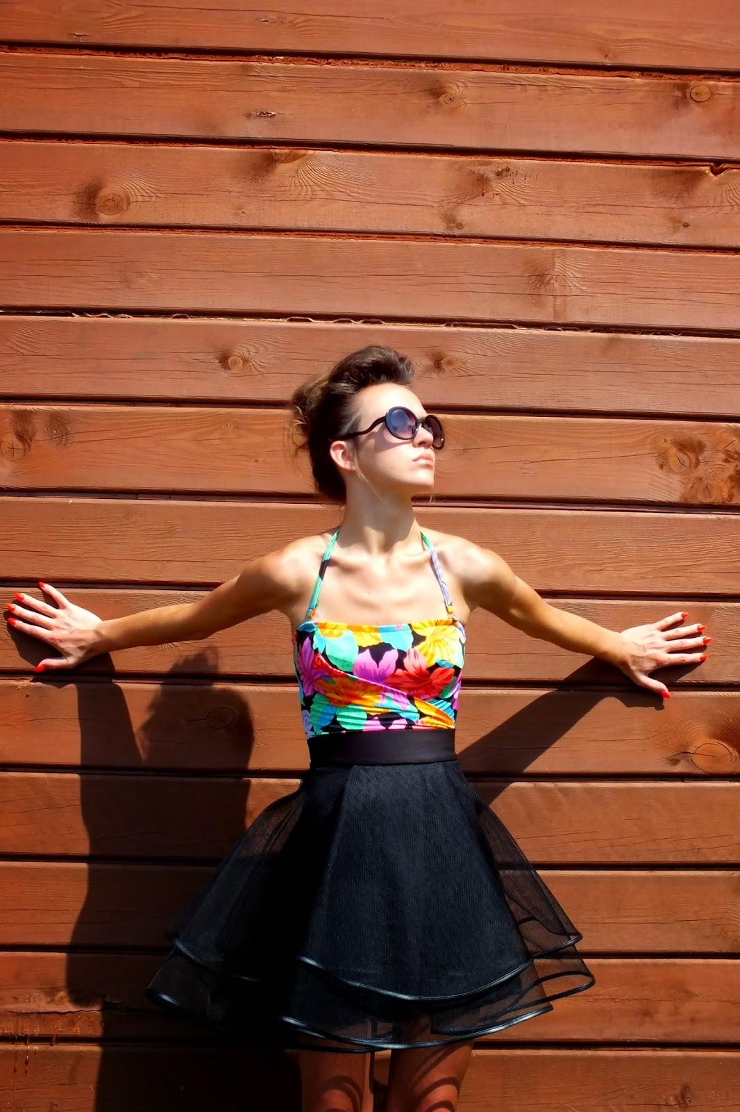 spódnica tiulowa z koła, czarna spódnica tiulowa, oryginalna spódnica z tiulu