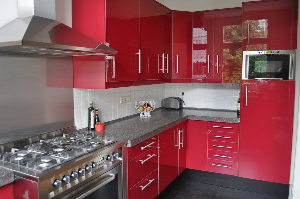 But It Isn T Quite That Simple Challenge 1 Color Palette We Have A Bright Red Kitchen That Pretty Much Defines The Color Scheme