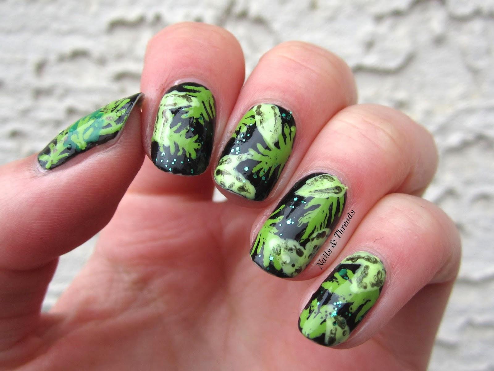 Ногти с листочками фото