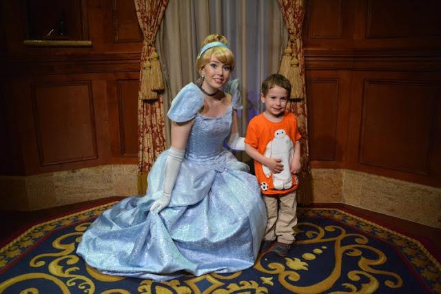 Walt Disney World, Disney vacation, Walt Disney World at Christmas, Magic Kingdom,
