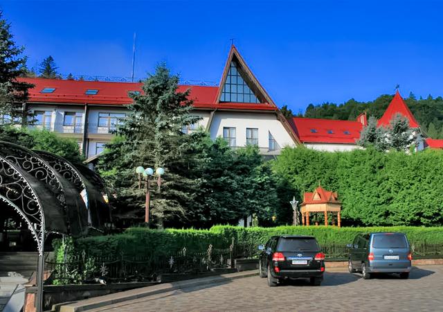 Яремче готель cанаторій  КАРПАТИ