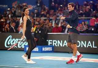 Deepika Padukone shows off her racket skills to Roger Federer!1.jpg